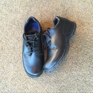 EUC Boys black dress shoes by Smart Fit size 2 1/2
